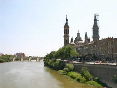 Ebro Vivo considera injustificable el dragado del Ebro en Zaragoza.